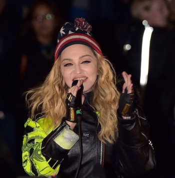 Madonna performs 5 acoustic songs at Washington Square Park  New York (13)