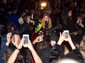 Madonna performs 5 acoustic songs at Washington Square Park  New York (15)