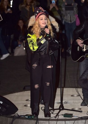 Madonna performs 5 acoustic songs at Washington Square Park  New York (16)