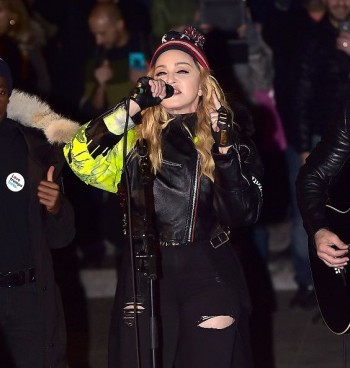 Madonna performs 5 acoustic songs at Washington Square Park  New York (17)
