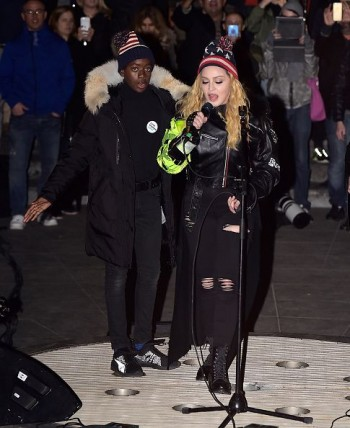 Madonna performs 5 acoustic songs at Washington Square Park  New York (19)