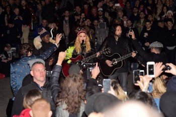 Madonna performs 5 acoustic songs at Washington Square Park  New York (20)