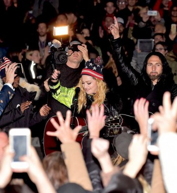 Madonna performs 5 acoustic songs at Washington Square Park  New York (21)