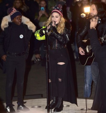 Madonna performs 5 acoustic songs at Washington Square Park  New York (23)