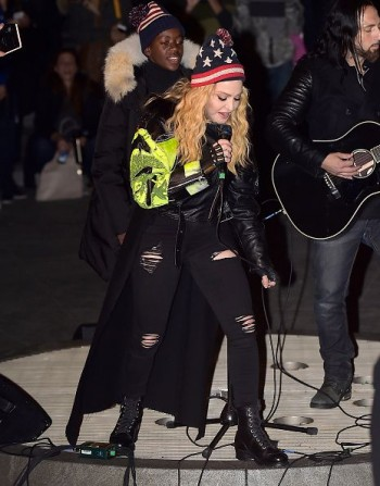 Madonna performs 5 acoustic songs at Washington Square Park  New York (24)