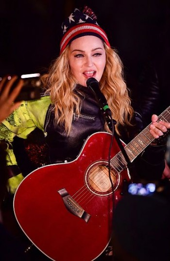 Madonna performs 5 acoustic songs at Washington Square Park  New York (35)