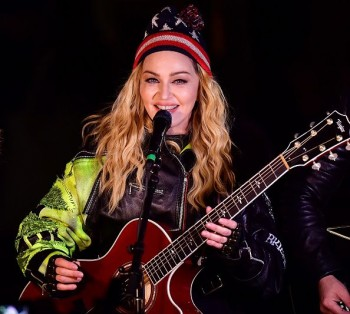 Madonna performs 5 acoustic songs at Washington Square Park  New York (36)