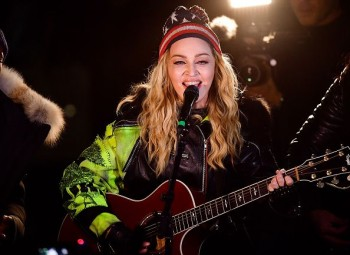 Madonna performs 5 acoustic songs at Washington Square Park  New York (46)