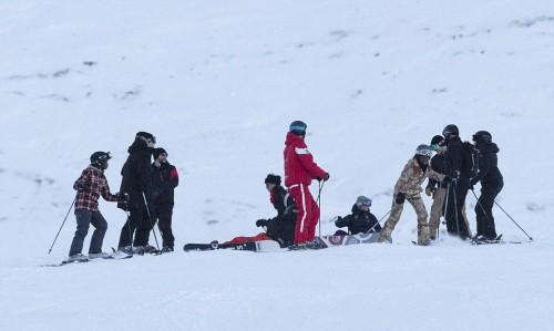 Madonna skiing in Verbier, Switzerland - 29 December 2016 - Pictures (6)