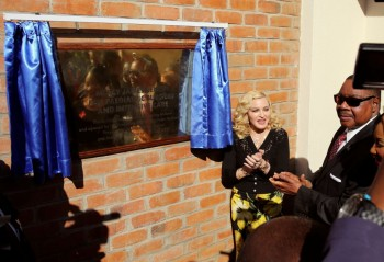 Madonna attends The Mercy James Centre opening in Blantyre, Malawi 11 July 2017 (9)