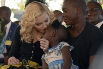 Madonna attends The Mercy James Centre opening in Blantyre, Malawi 11 July 2017 (10)