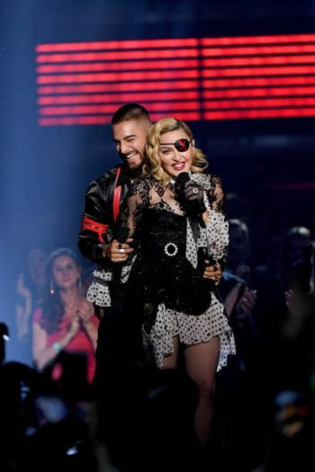 Madonna performs Medellín at the 2019 Billboard Music Awards - 1 May 2019 - Pictures (8)