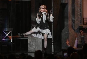 Madonna performs Medellín at the 2019 Billboard Music Awards - 1 May 2019 - Pictures (4)