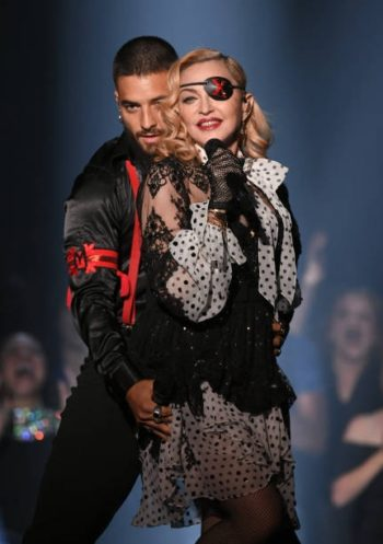 Madonna performs Medellín at the 2019 Billboard Music Awards - 1 May 2019 - Pictures (1)