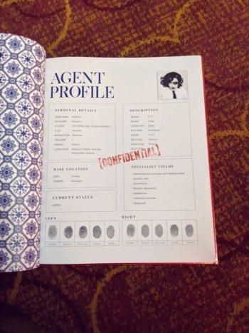 Madame X VIP Tour Gift Book (3)
