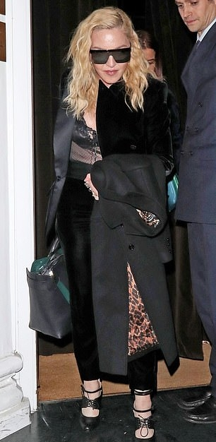Madonna out and about in London - 29 November 2018 (4)