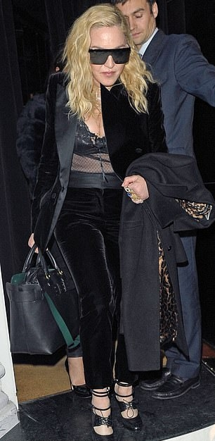 Madonna out and about in London - 29 November 2018 (6)