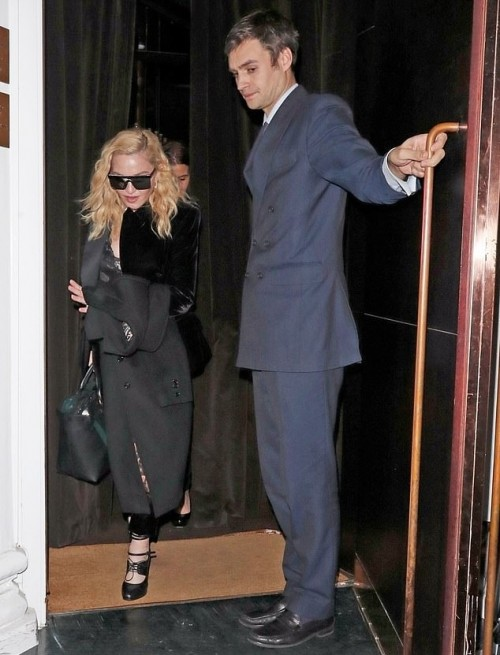 Madonna out and about in London - 29 November 2018 (7)