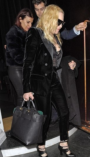 Madonna out and about in London - 29 November 2018 (8)