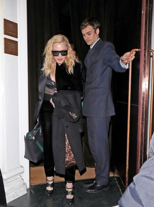 Madonna out and about in London - 29 November 2018 (9)