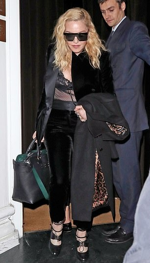 Madonna out and about in London - 29 November 2018 (10)