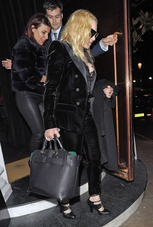 Madonna out and about in London - 29 November 2018 (11)