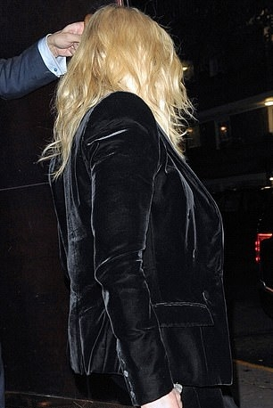Madonna out and about in London - 29 November 2018 (12)