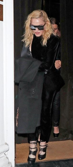 Madonna out and about in London - 29 November 2018 (13)