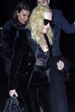 Madonna out and about in London - 29 November 2018 (14)