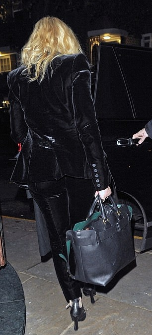 Madonna out and about in London - 29 November 2018 (15)
