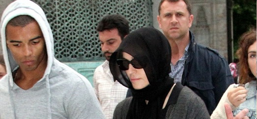 Madonna visits Hagia Sophia & the Blue Mosque in Istanbul [5 & 6 June 2012]