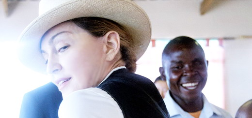 Madonna visits Mphandula Child Care Centre in Namitete [5 April 2013 – Pictures]