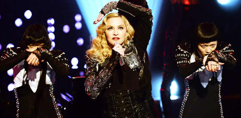 [Update: Full show added] Madonna performed Ghosttown on The Jonathan Ross Show