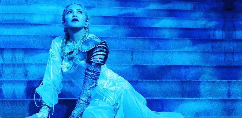 "Madonna premieres new song ""Beautiful Game"" at the Met Gala [7 May 2018]"