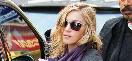 Madonna out and about in New York [17 Octobre 2011 – HQ Pictures]