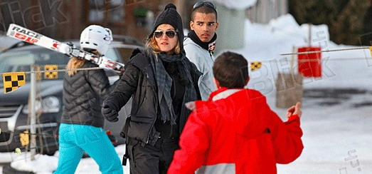Madonna spotted skiing in Gstaad, Switzerland [27 December 2011 – Pictures]