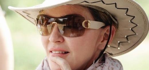 Madonna visite le Malawi en famille [2 avril 2013 - Photos]