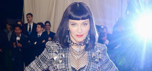 Les interviews de Madonna sur le tapis rouge du Met Gala [6 Mai 2013 – 7 vidéos]