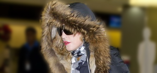 Madonna arrive à l'aéroport JFK de New York [23 décembre 2013 – Photos]