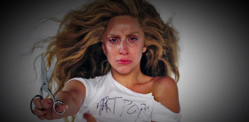 Lady Gaga attaque les fans de Madonna sur Twitter