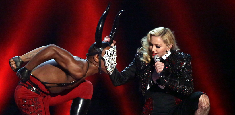 La performance de Madonna durant les BRIT Awards [25 Février 2015 – Photos & Vidéos]