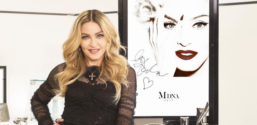 Madonna en couverture de WWD Japon [Numéro du 3 mars 2016]