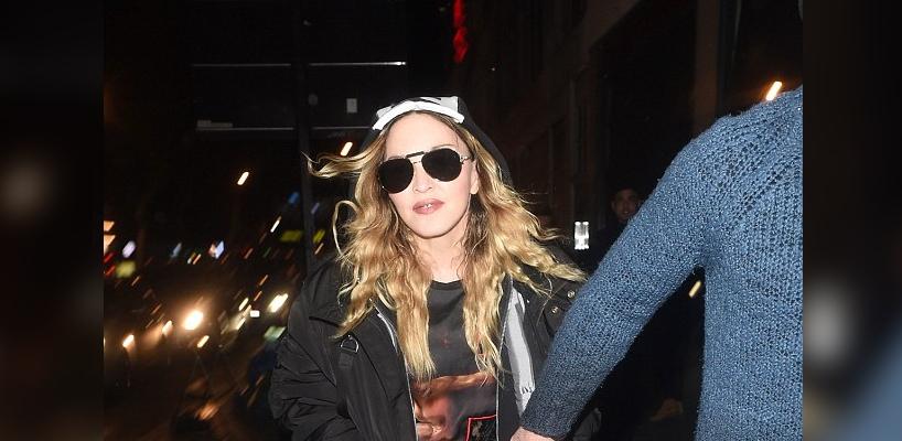 Madonna et Rocco dans les rues de Londres [16 April 2016 – Pictures]