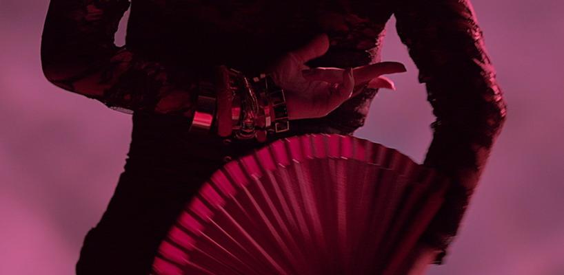 Projection backdrop Rebel Heart Tour pour 'La Isla Bonita' [Vidéo]