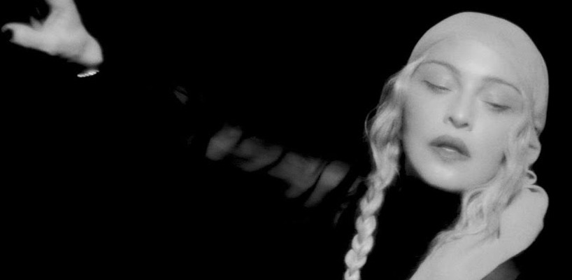 Madonna sort la video de l'audio pour la chanson « I Rise »