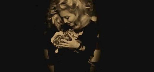 L'amour de Madonna pour les hydrangéas