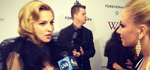 Madonna à la première de W.E. à New York [23 Janvier 2012 – Vidéos]