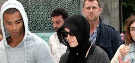 Madonna visite Sainte-Sophie & la Mosquée bleue à Istanbul [5 & 6 juin 2012]