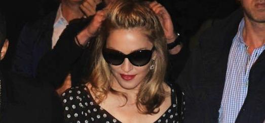 Madonna au restaurant Molto à Rome [10 juin 2012 - 25 photos HQ]