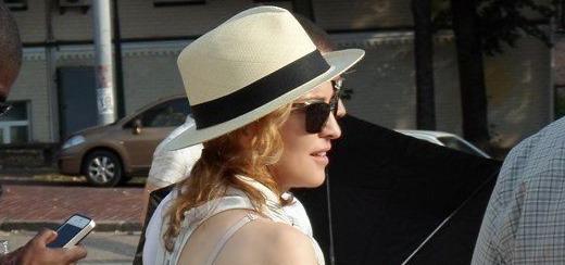 Madonna dans les rues de Varsovie & Kiev [1-3 août 2012 – 33 Photos & 3 Vidéos]